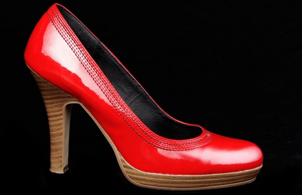 Lavoratrici e lavoratori nell'abbigliamento e nelle calzature italiane dopo la  globalizzazione Cover